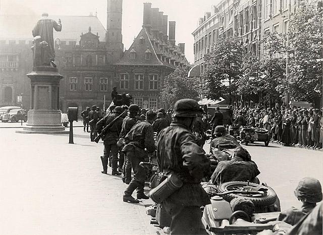 Waffen SS - Leibstandarte Adolf Hitler in Haarlem