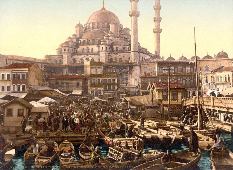 1280px-Flickr_-_…trialsanderrors_-_Yeni_Cami_and_Eminönü_bazaar,_Constantinople,_Turkey,_ca._1895